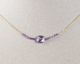 Necklace golden chain with gold end and pink Amethyst