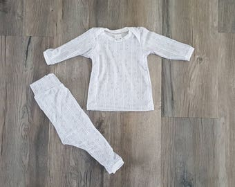 Homecoming outfit/Newborn baby outfit/0-3month baby clothes/white and gray baby outfit/Gender neutral baby clothes/Take home baby outfit