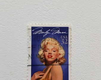 1995 MERILY MONROE Vintage Postage Post Stamp, Antique Postal Stamps, Collectible stamps, Collection philately 4cm x 2.6cm