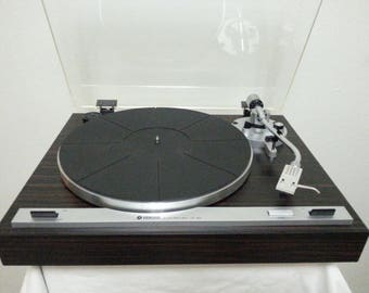 Vintage Yamaha YP-B2 Auto Return Turntable/Very Good Working Condition
