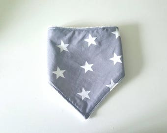 Bandana bib, cotton gray with stars and white Terry cotton on the back