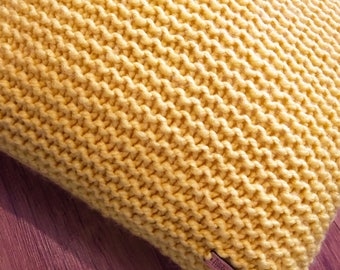 Decorative Home Accessory Mustard Yellow Knitted Cushion