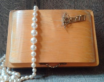 Vintage Wooden Musical Jewellery Box with lovely details // Retro wooden footed Trinket Casket with musical movement // gift for music lover