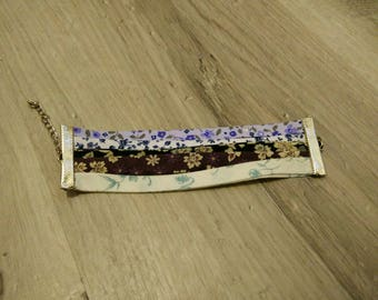 Different color and pattern fabric bracelet