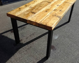 Industrial chic dining table./restaurant/bar/cafe
