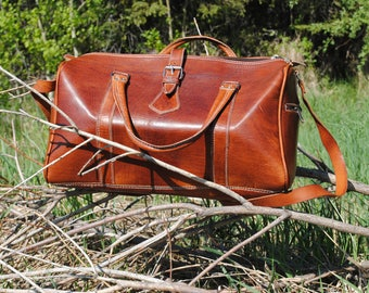 Lightweight  Dark Chocolate Leather Vintage Duffle Bag
