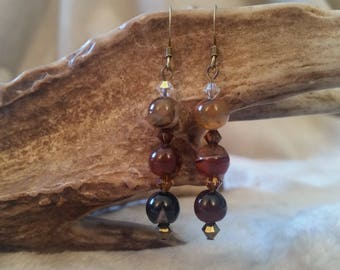Agate and Swarovski bicone earrings
