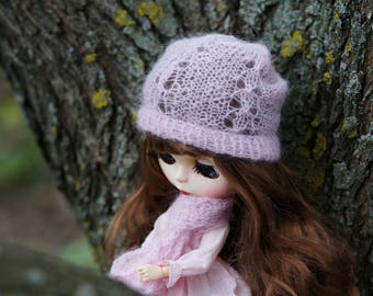Knitted Blythe hat with knitted scarf