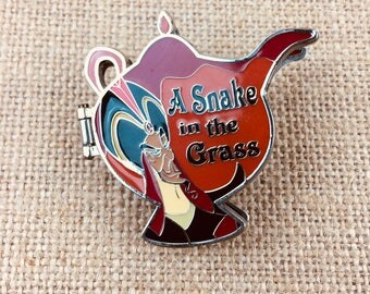 Disney Pin Aladdin Villain  Hinged Snake in the Grass Genie Lamp Cobra Pin Limited Edition