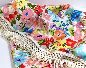 """Vintage Floral Tablecloth with Fringe, Round 52"""" Tablecloth"""