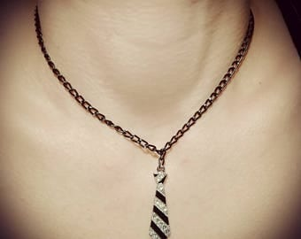 Chain charm tie style 50 shades of grey