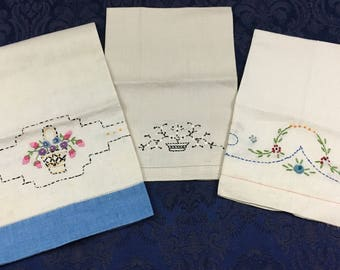 Vintage lot of 3 Hand Crafted Linen Tea Kitchen Towels Embroidered  T36