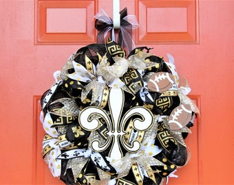 Saint's Themed Fleur De Lis Black and Gold Mesh Football Wreath, Sports Fan Wreath, Vibrant Wreath, Glistening Wreath, Sports Wreath