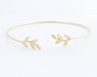 "Leaf Bangle Bracelet ""Laurel"" gold"