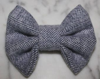 Gray Herringbone Knit Hair Bow or Bow Tie. Baby Girl Hair Bow. Boy Bow Tie. Chunky Knit Bow. Nylon Band.