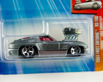 Hot Wheels 2004 First Editions 1963 Tooned Corvette #93 1/64 Diecast