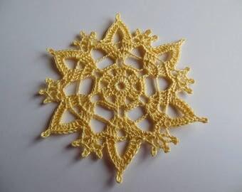 """Yellow color crochet lace doily """"Laëtitia"""""""