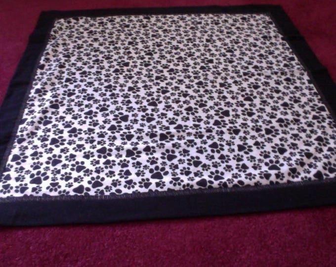 Black and White Dog Paws Newborn baby Receiving Blanket, Baby Blanket, Newborn Blanket, Receiving Blanket, Baby Gift, Baby Shower Gift