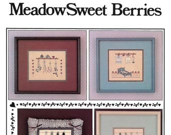 """COUNTRY BERRY STITCHES """"MeadowSweet Berries"""" - Cross Stitch Pattern - Sampler and Pillow Pattern - Vintage Used Pattern"""
