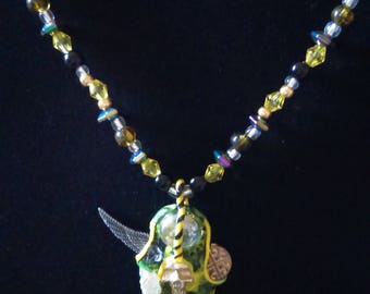 Cosmic necklace (light)