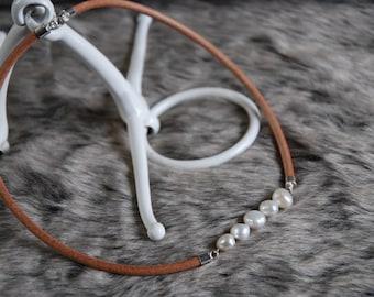 Baroque Pearl Bar Necklace