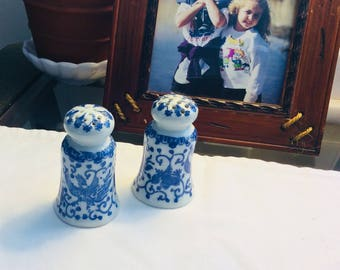 Blue and White Phoenixware china salt and pepper shakers, vintage Japan