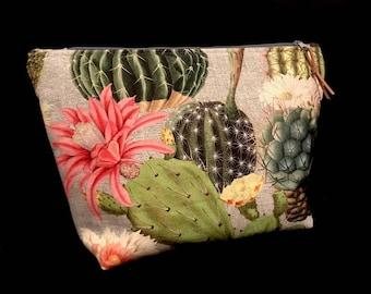 Cosmetic bag * cacti * gr. XL Makeup Bag