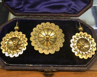 Antique Victorian gold brooch/pendant and earrings, Archaeological Revival style