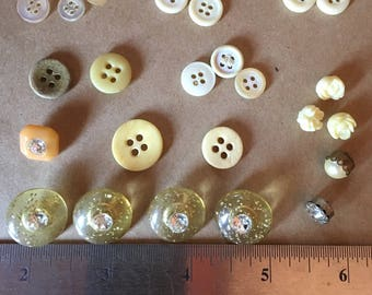 Vintage Buttons - Assorted - lot #8