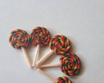 Mini rainbow lollipops