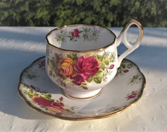 Lovely Stratford Rosina teacup and saucer, Vintage teacup, Afternoon teaparty