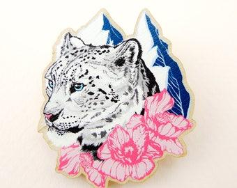 Snow leopard pin, snow leopard gift, animal art, animal jewelry, snow leopard jewelry, snow leopard, quirky pin, wooden pin, animal brooch