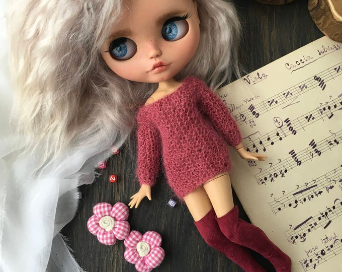 Oversize knitted sweater for Blythe doll. Blythe collection doll. Clothes for Blythe. Jacket for blythedoll. Dress for Blythe. Outfit Blythe