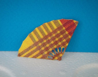 Cut little fan in madras for scrapbooking and card paper