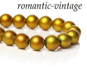 stunning! Shiny Gold 20 glass beads 8mm