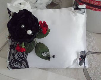 Red and black and white wedding ring bearer pillow red black and white style cabaret! Baroque!