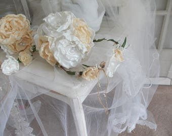 Crown vintage shabby chic and matching bouquet