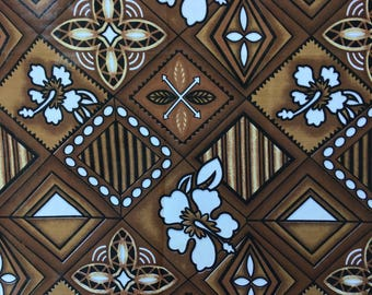 Polynesian fabric Brown and white hibiscus flower pattern