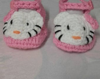 """slippers """"hello kitty"""" 6 months"""