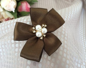 Flower 8 cm in Brown satin with Rhinestones