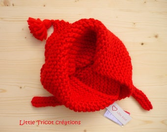 Scarf / scarf/shawl for girl (2/4 years) bright red. Hand made wool. Child accessory