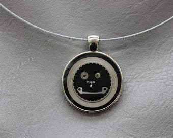 Round neck + round pendant in resin and watch parts (Steampunk)