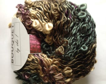 yarn flowers No. 402 plum-taupe-flannel BOUQUET of white horse