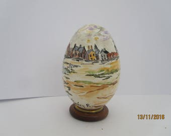 horse Bay amount painted on a goose egg
