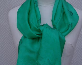 Scarf size hand painted Ivy leaves and green silk scarf: 132 cm x 46 cm