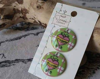 x 2 button plastic heart 25mm