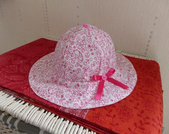 "18-24 months - pink and white sun hat ""my garden flowers"""