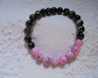 10% off Black and Pink Glass Beaded Bracelet