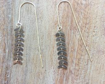 Silver spikes dangle chain earrings