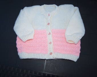 VEST HANDMADE PINK AND WHITE SIZE 12/18 MONTHS